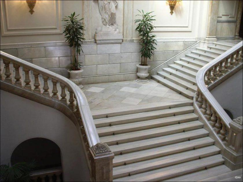 Escaleras for Recogida muebles ayuntamiento valencia